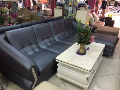 Sofa cao cấp màu đen huyền bí